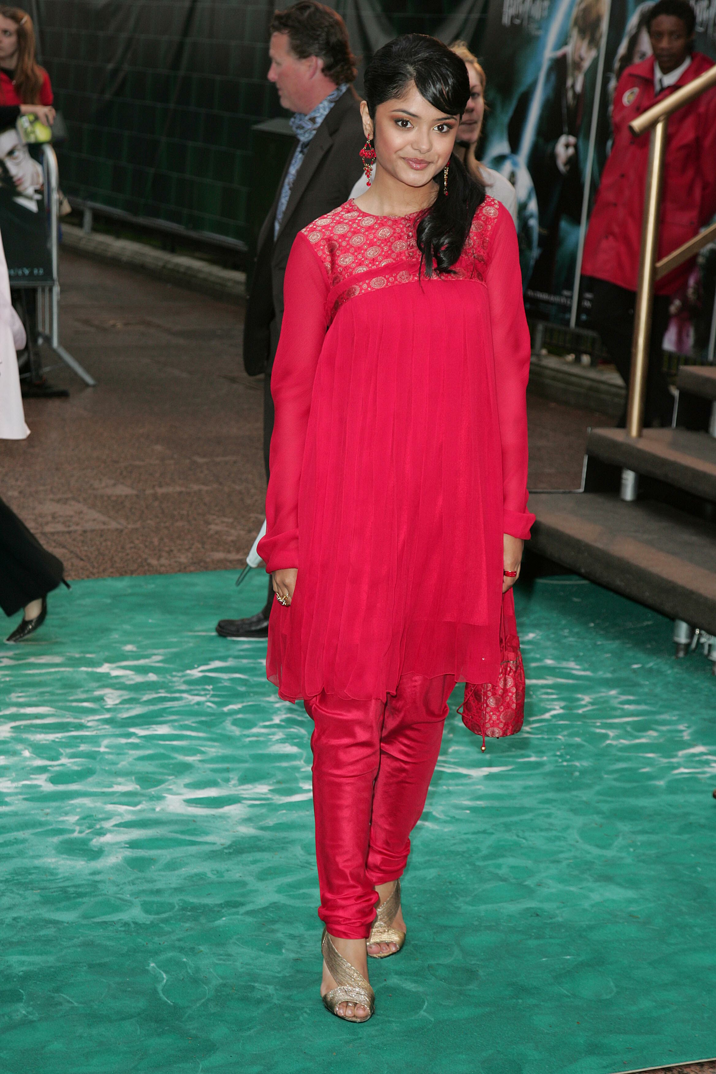 Afshan azad photo 3 of 5 pics hd wallpapers afshan azad photo 3 of 5 pics altavistaventures Choice Image