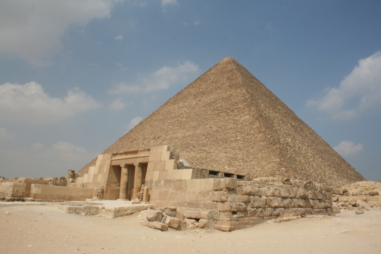 Seven Wonder Of the World: The Great Pyramid of Giza