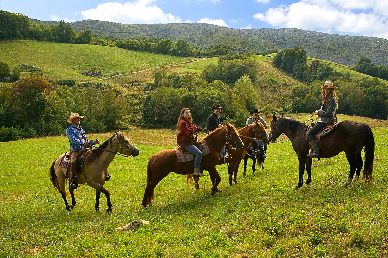 Horseback-Riding-at-Eagles-Nest