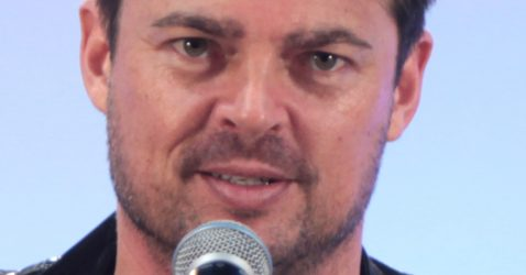 Karl Urban May 2015.jpg
