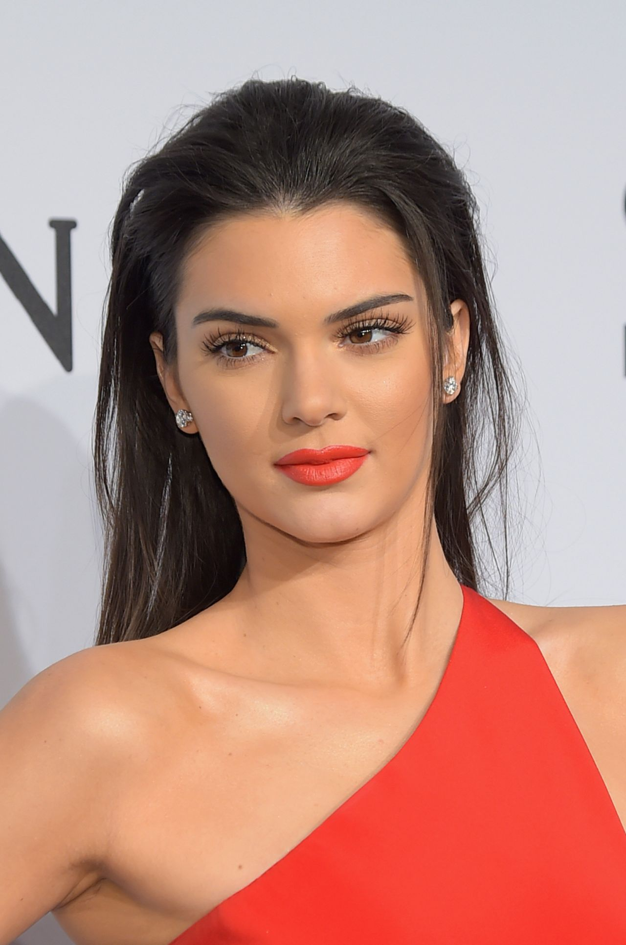 Kendall jenner and Kendall jenner no makeup