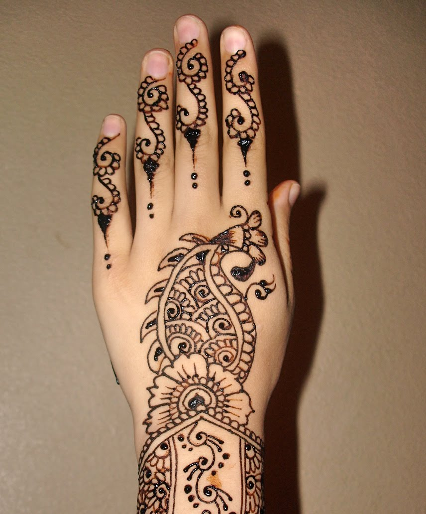 Henna designs and Henna hands