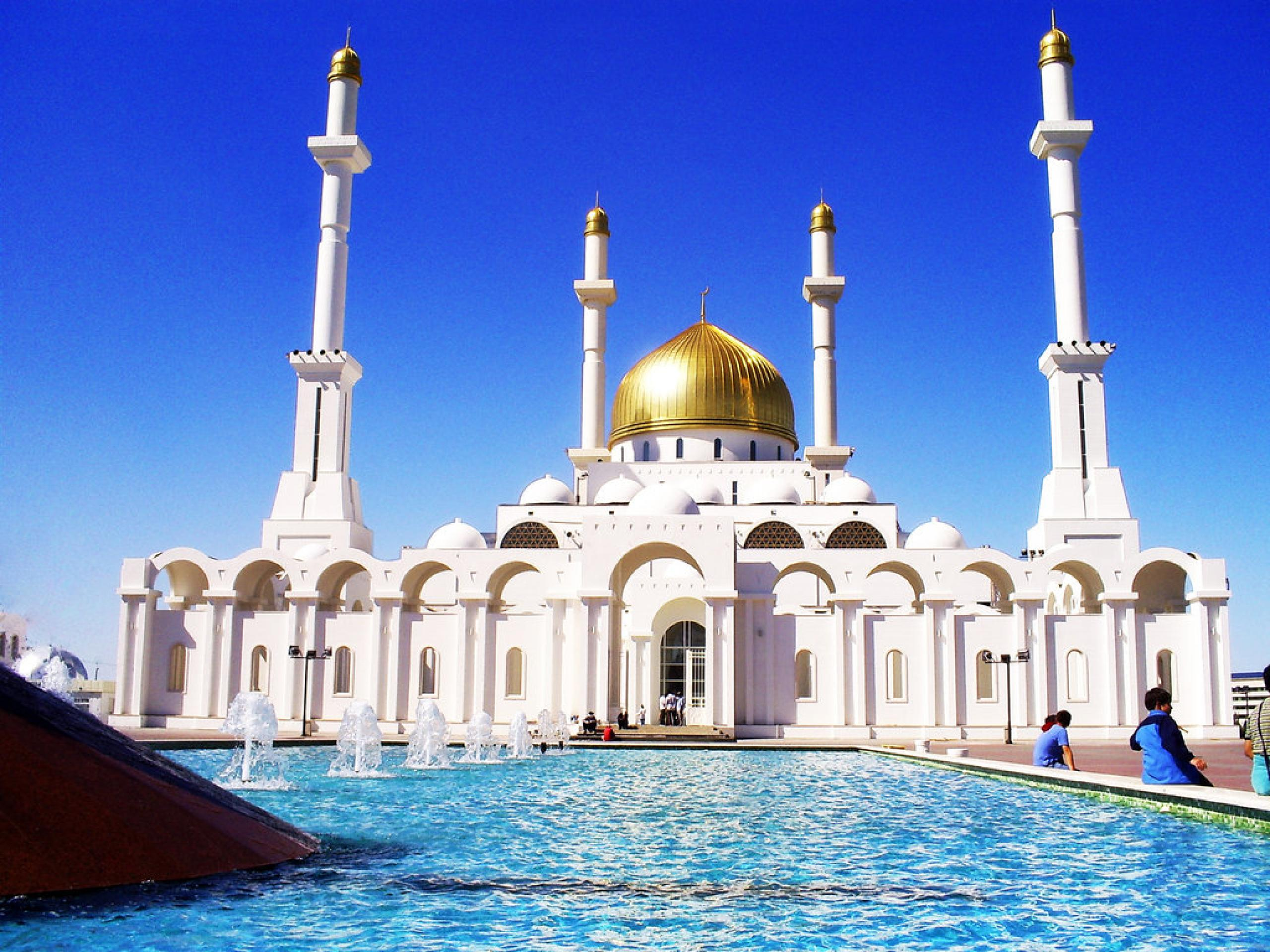 Grand mosque and Blue mosque