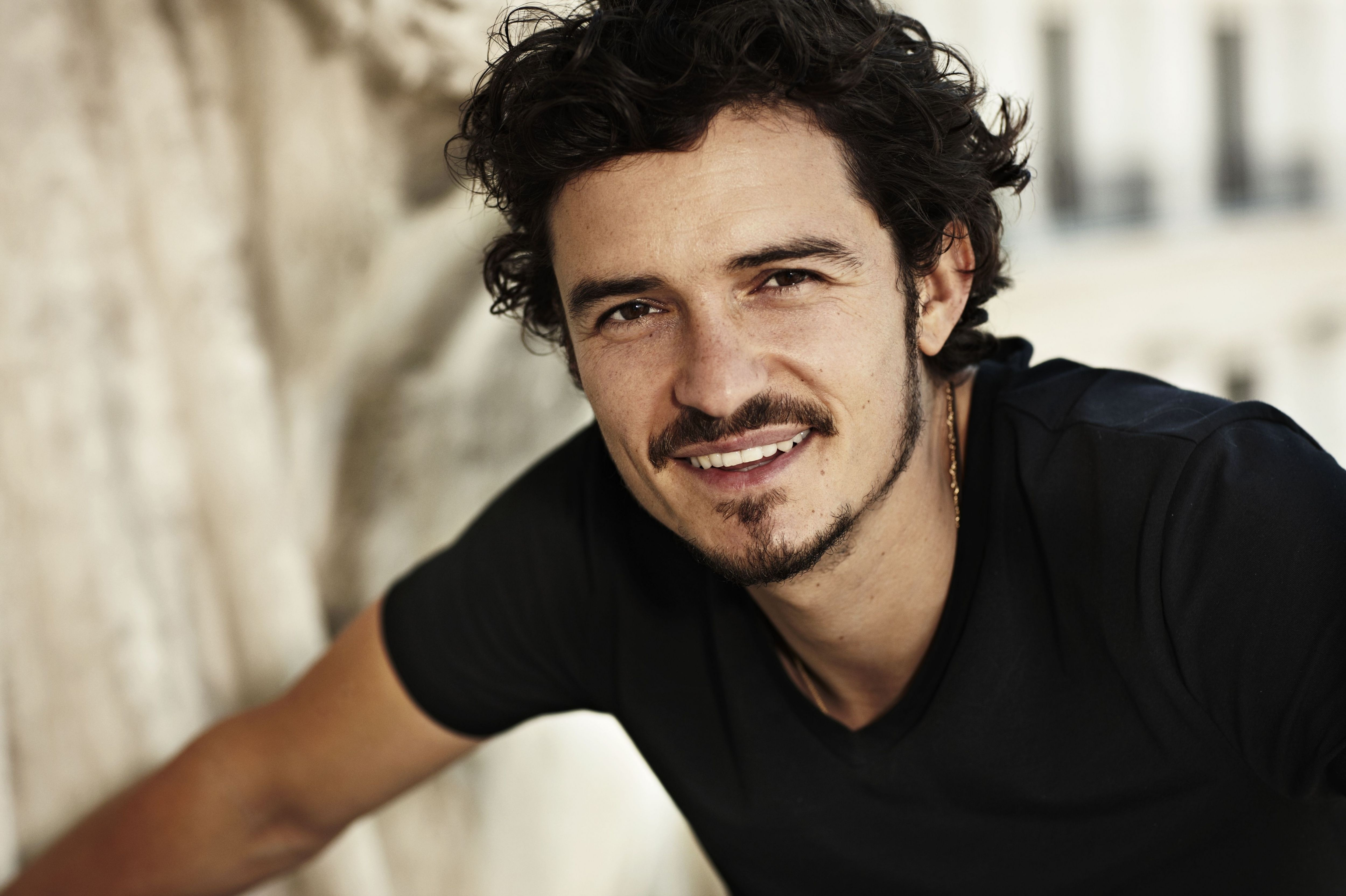 Top Orlando Bloom Backgrounds