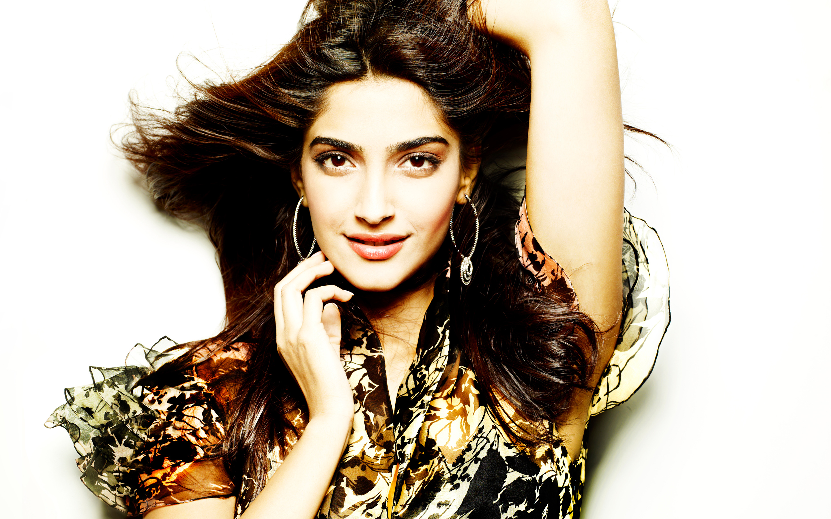 High Definition Wallpapers Of Sonam Kapoor