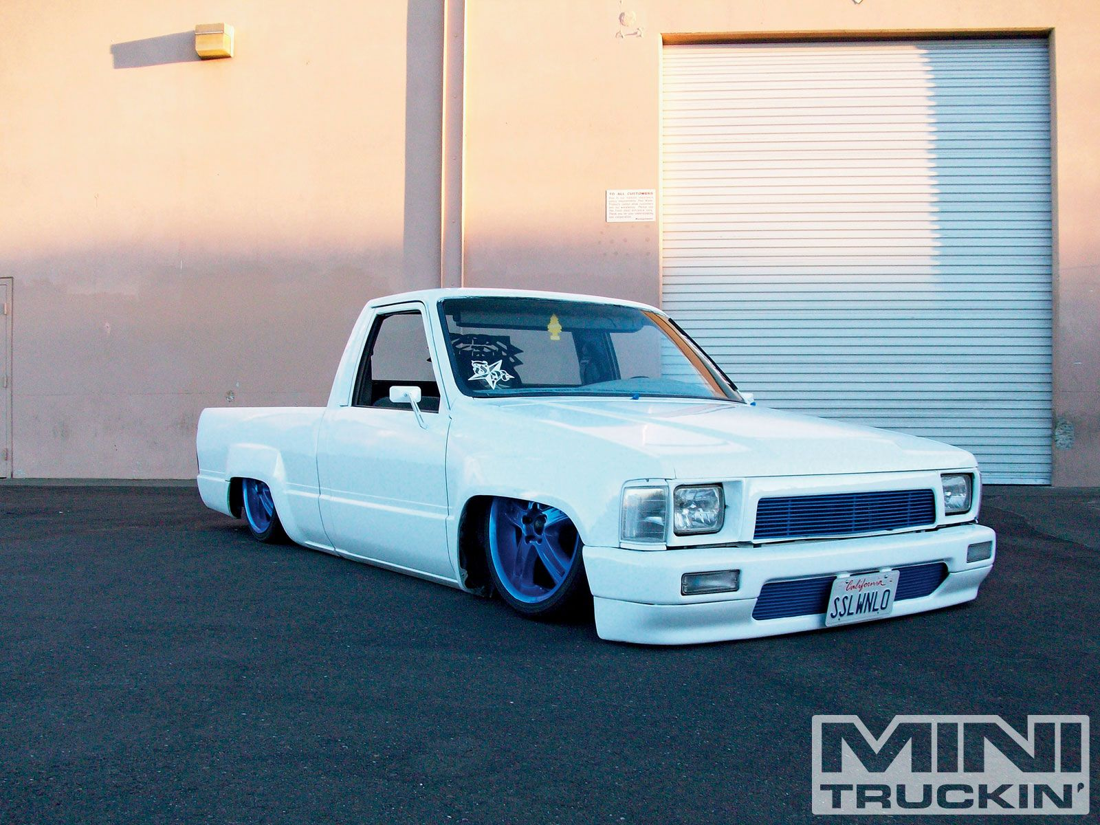 Bagged Truck Wallpaper
