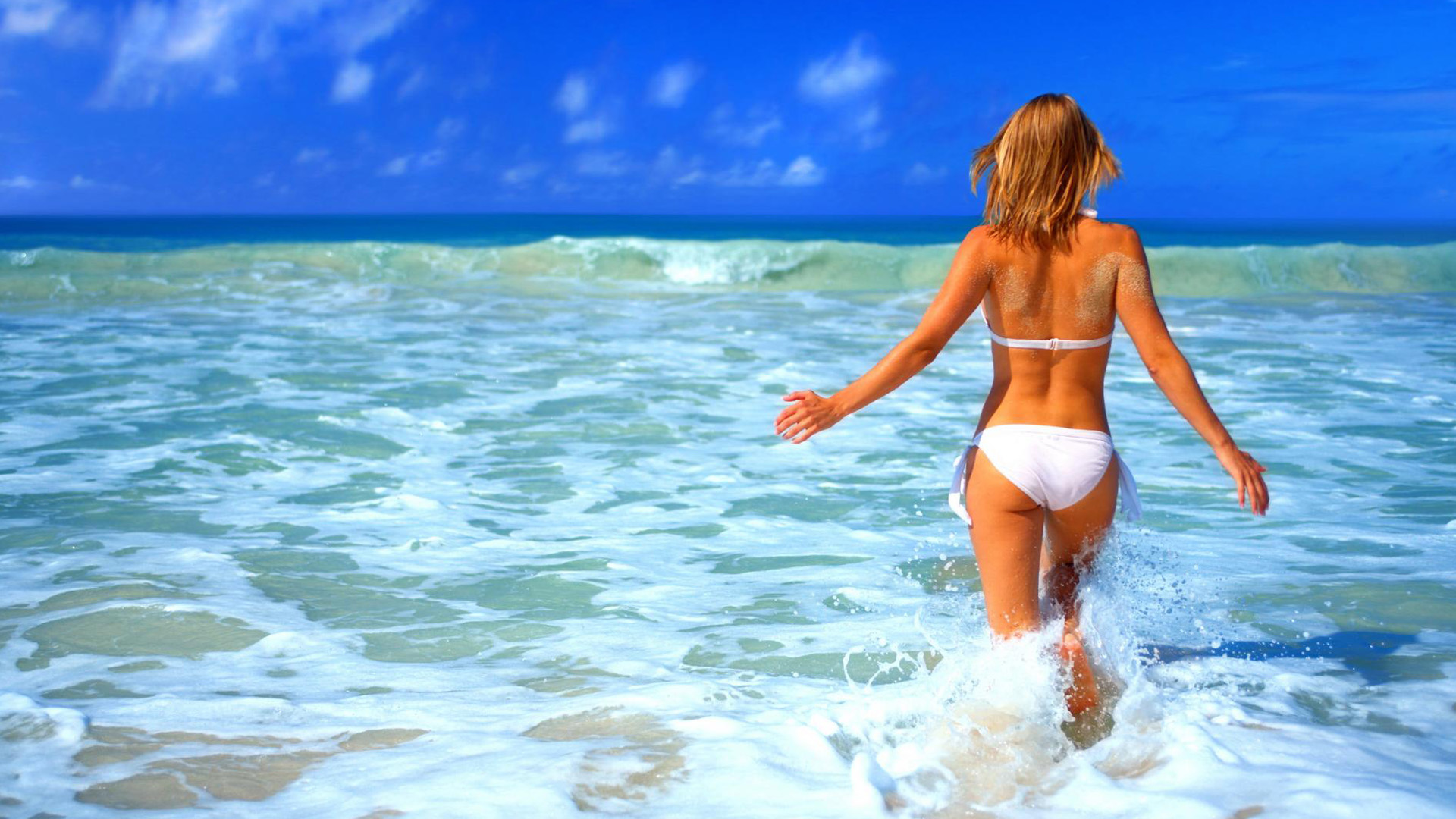 Download Beach Beauty Wallpapers Gallery
