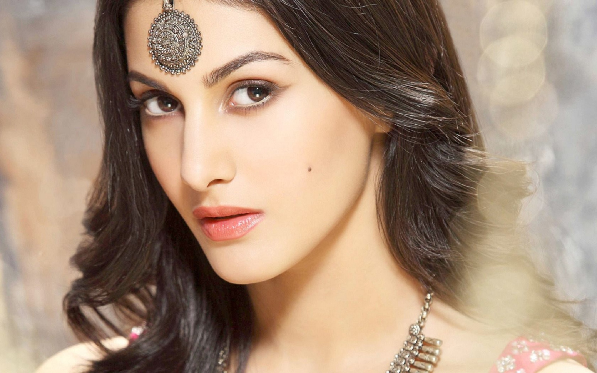 Download beautiful indian faces wallpapers gallery - Bollywood image hd download ...