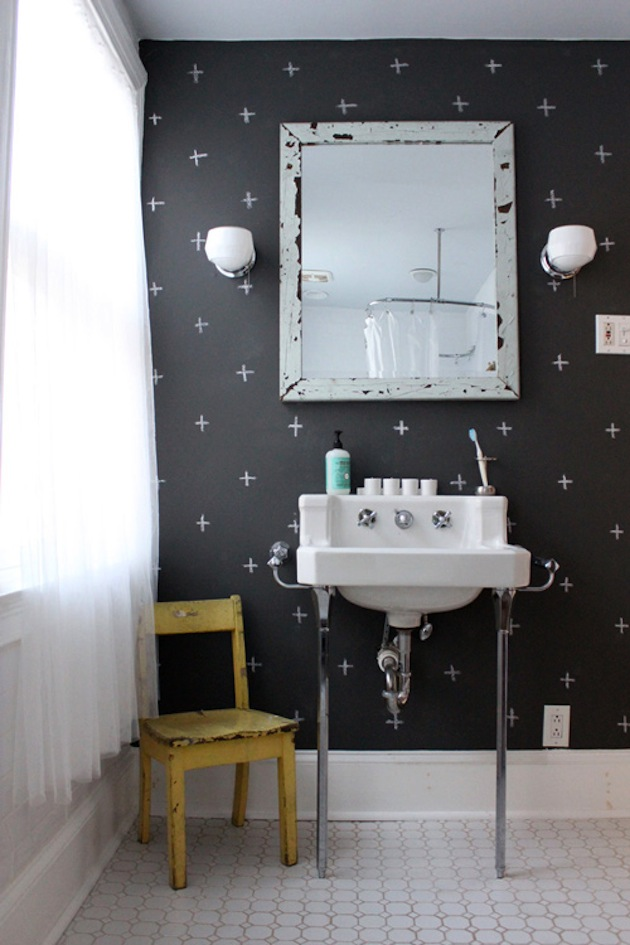 Black And White Bathroom Wallpaper