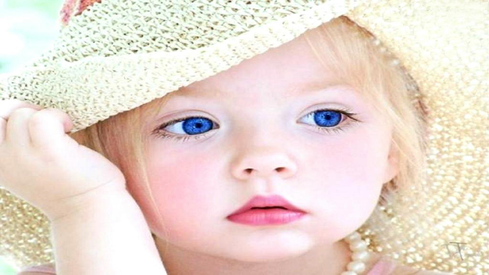Blue Eyes Baby Wallpaper