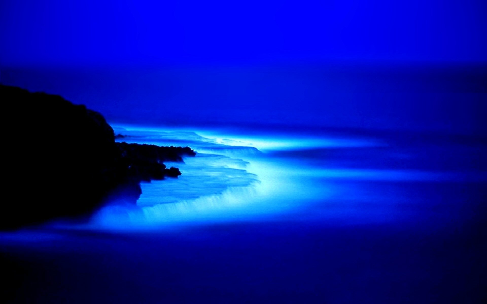 Blue Glow Wallpaper