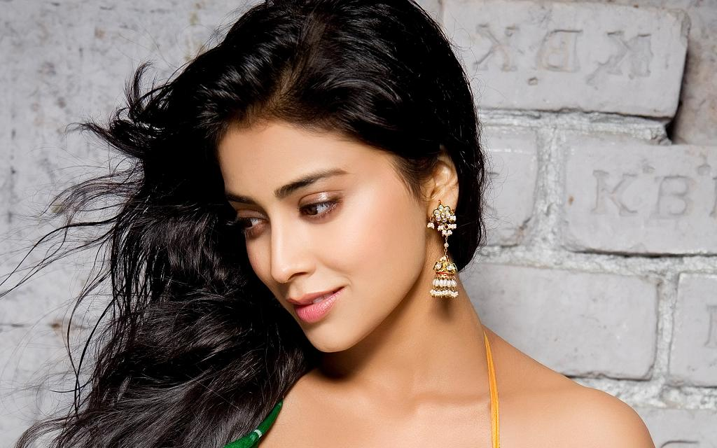 Actress Wallpaper For Mobile 26: Download Bollywood Actress HD Wallpapers For Mobile Gallery