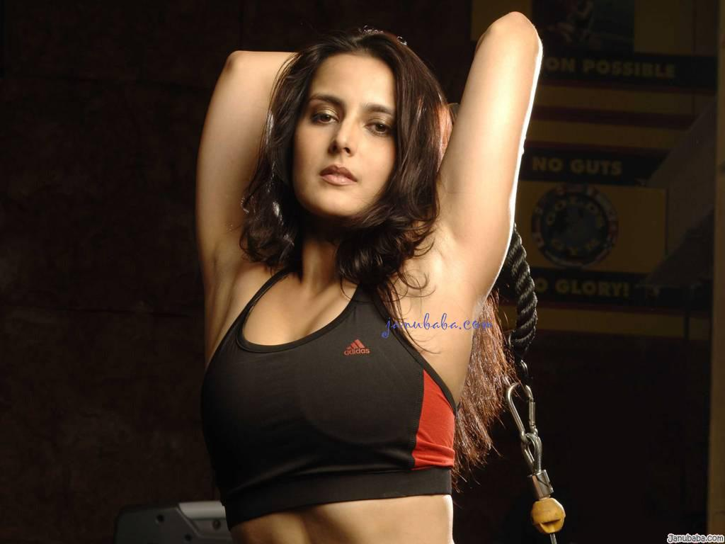 Bollywood Actress Without Dress Wallpapers