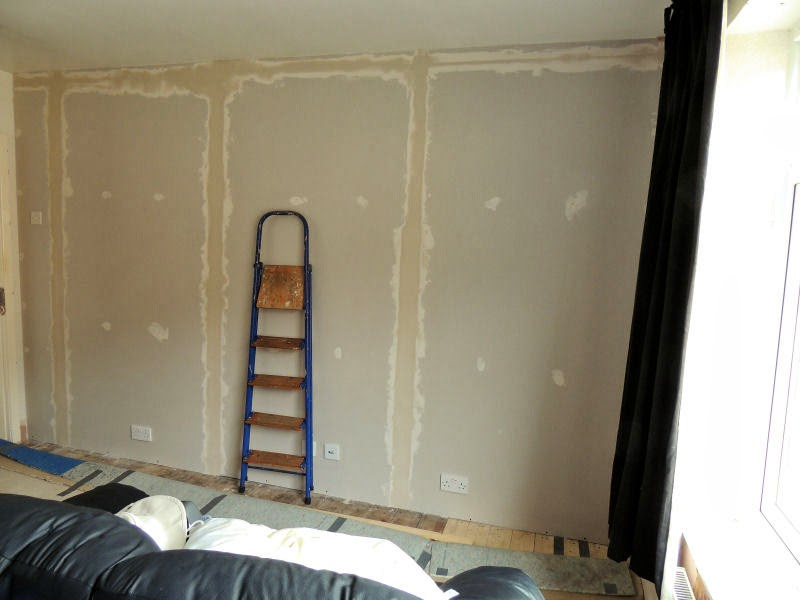 Can I Wallpaper Over Plasterboard