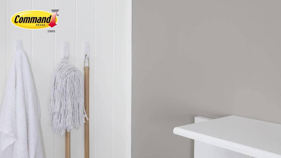 Can You Use Command Strips On Wallpaper