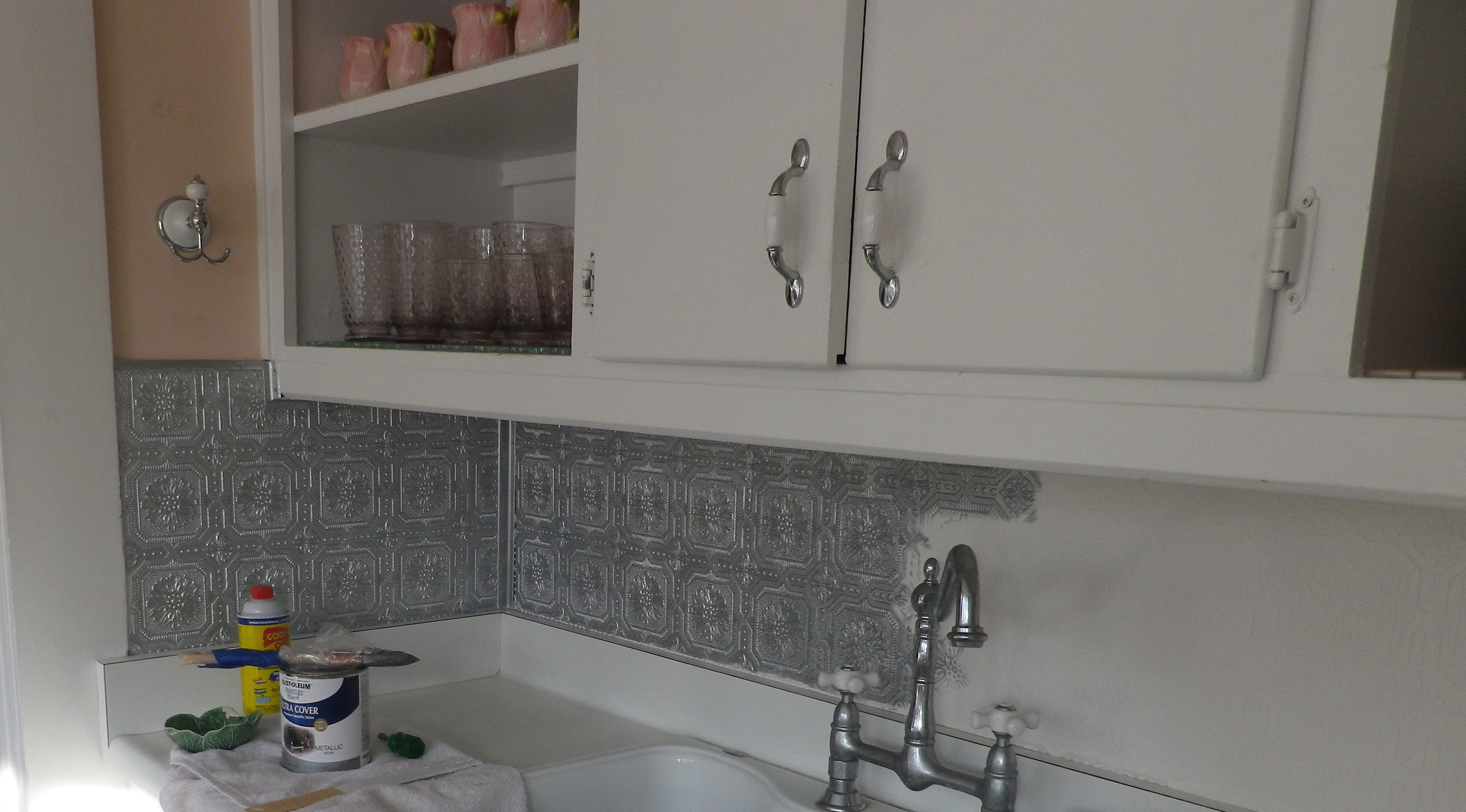 Can You Wallpaper Over Tiles