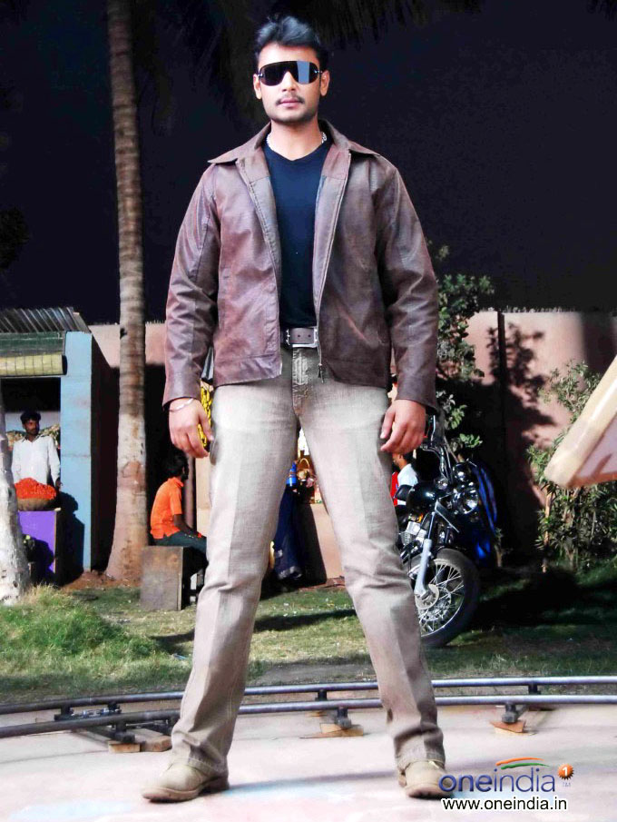 Download Challenging Star Darshan Wallpapers Gallery