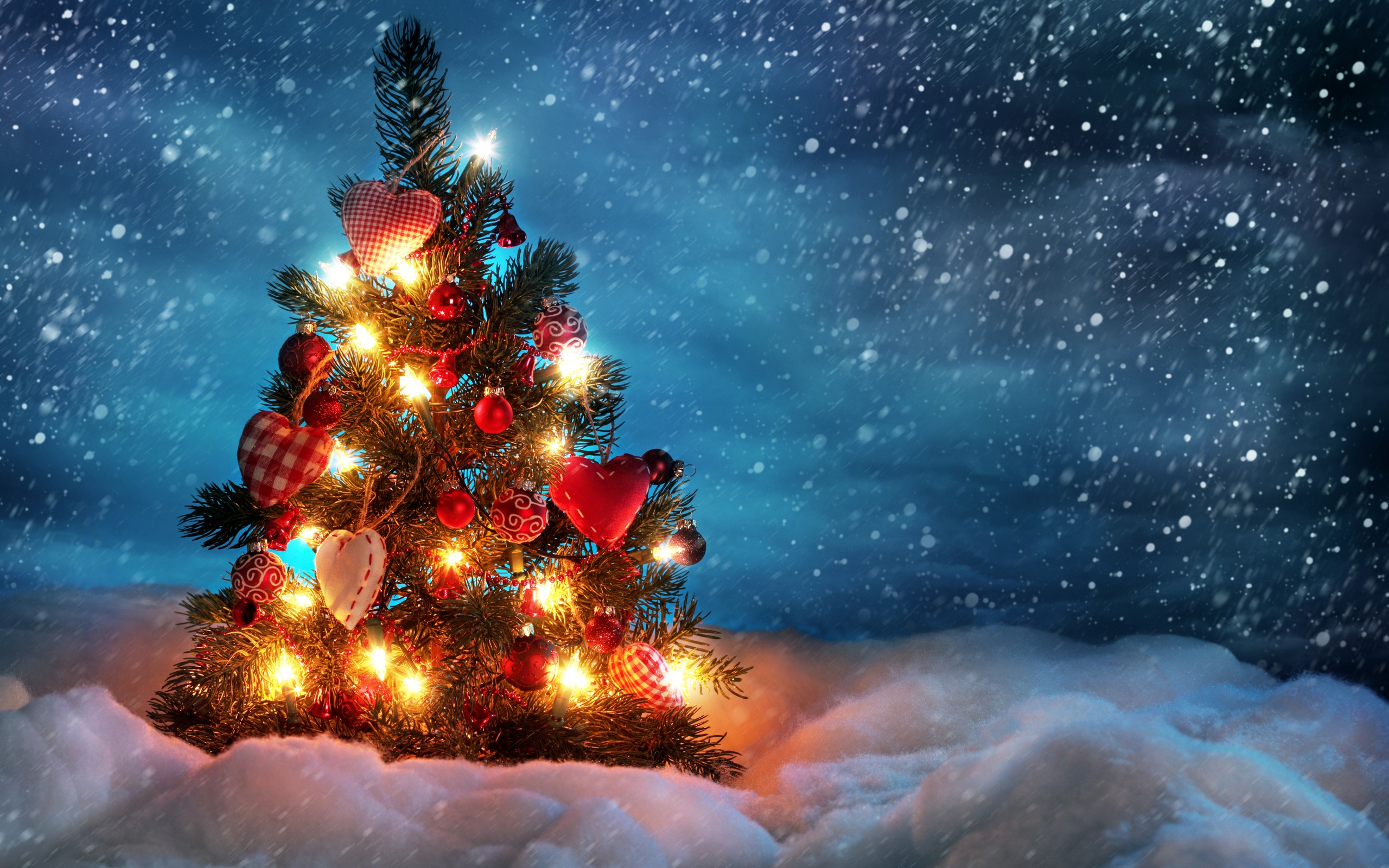 Christmas Tree Desktop Wallpaper