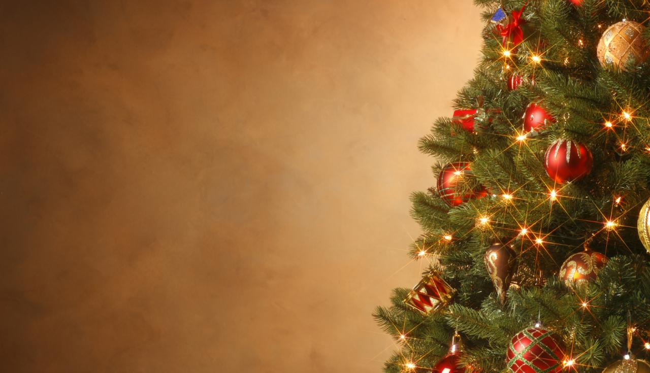 Christmas Tree Wallpaper HD