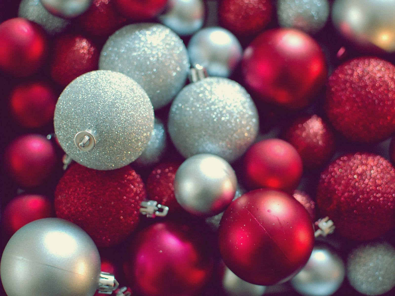 Christmas Wallpaper Ornaments