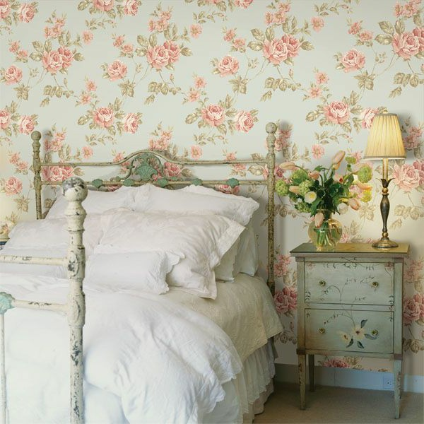 Country Bedroom Wallpaper