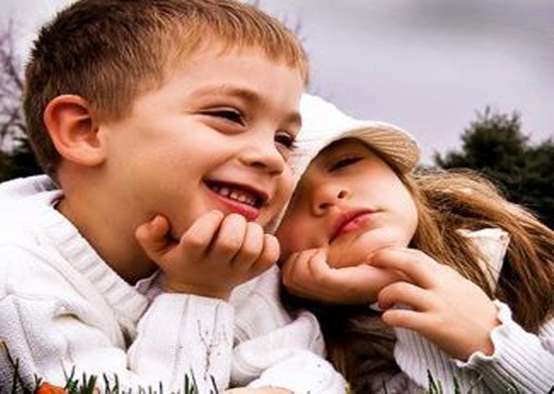 Cute Baby Couple Pic Wallpaper