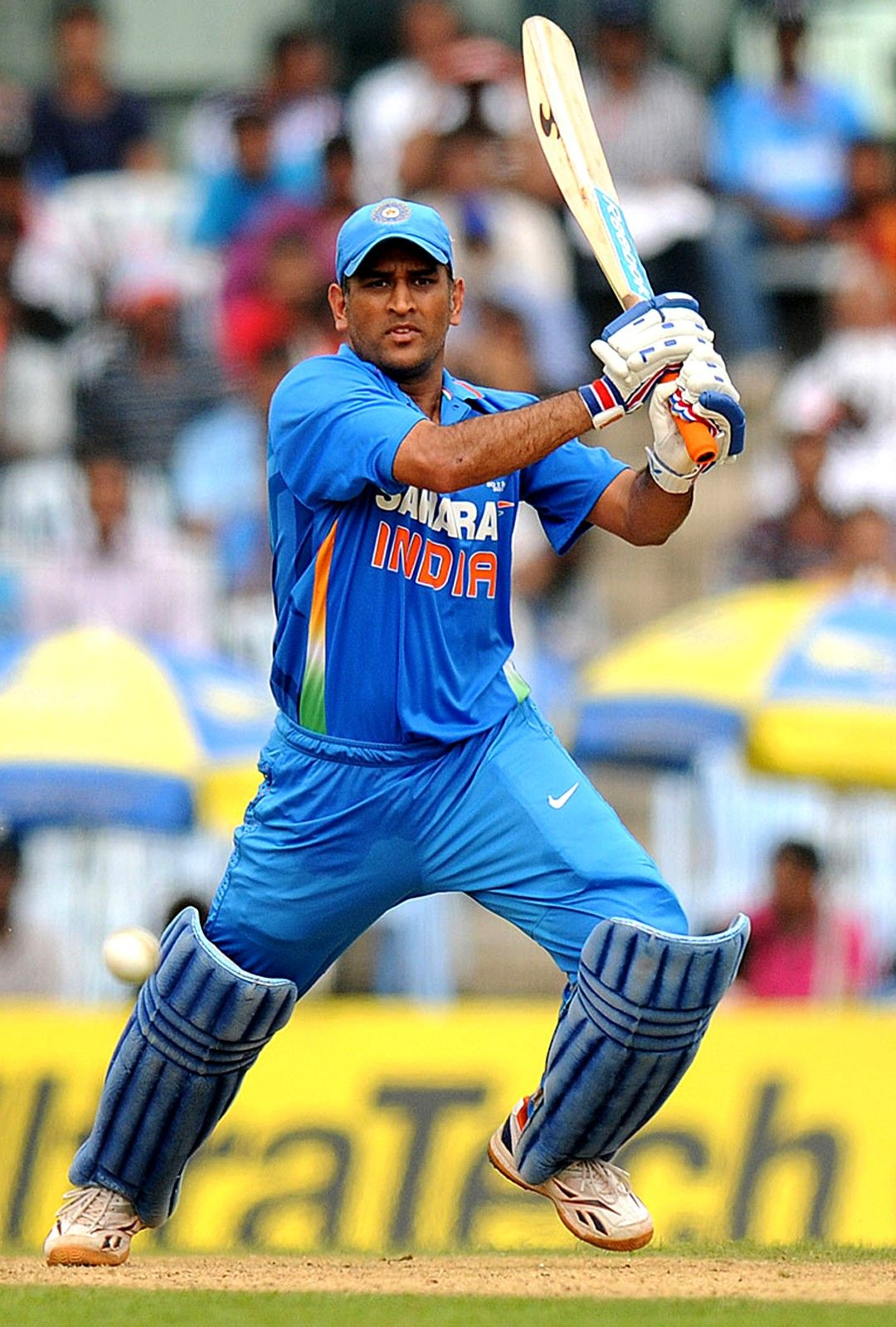 Dhoni Mobile Wallpaper