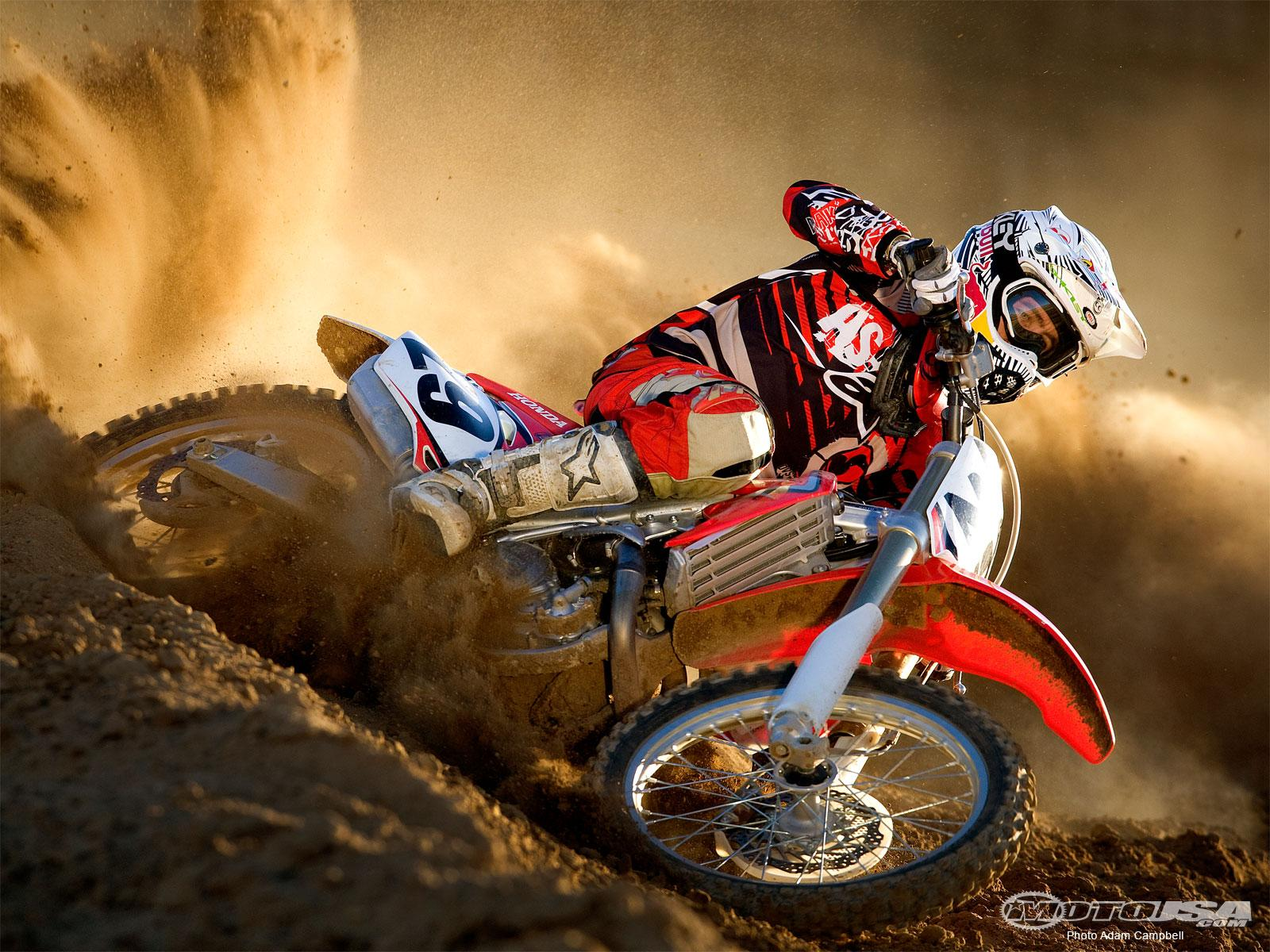 Dirt Biking Wallpaper