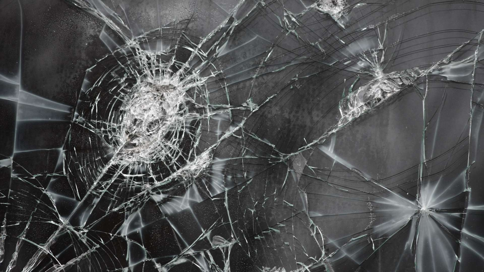Download Cracked Screen Wallpaper