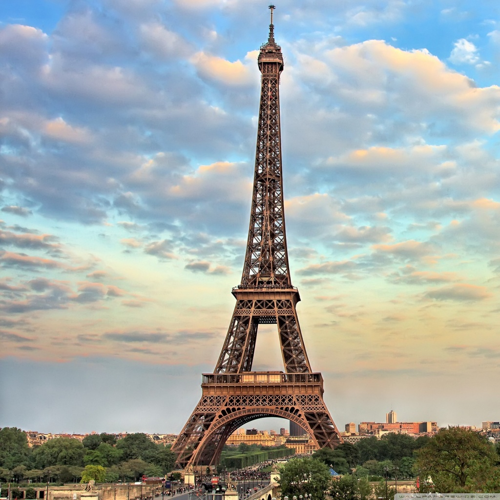 Eiffel Tower HD Wallpaper Download
