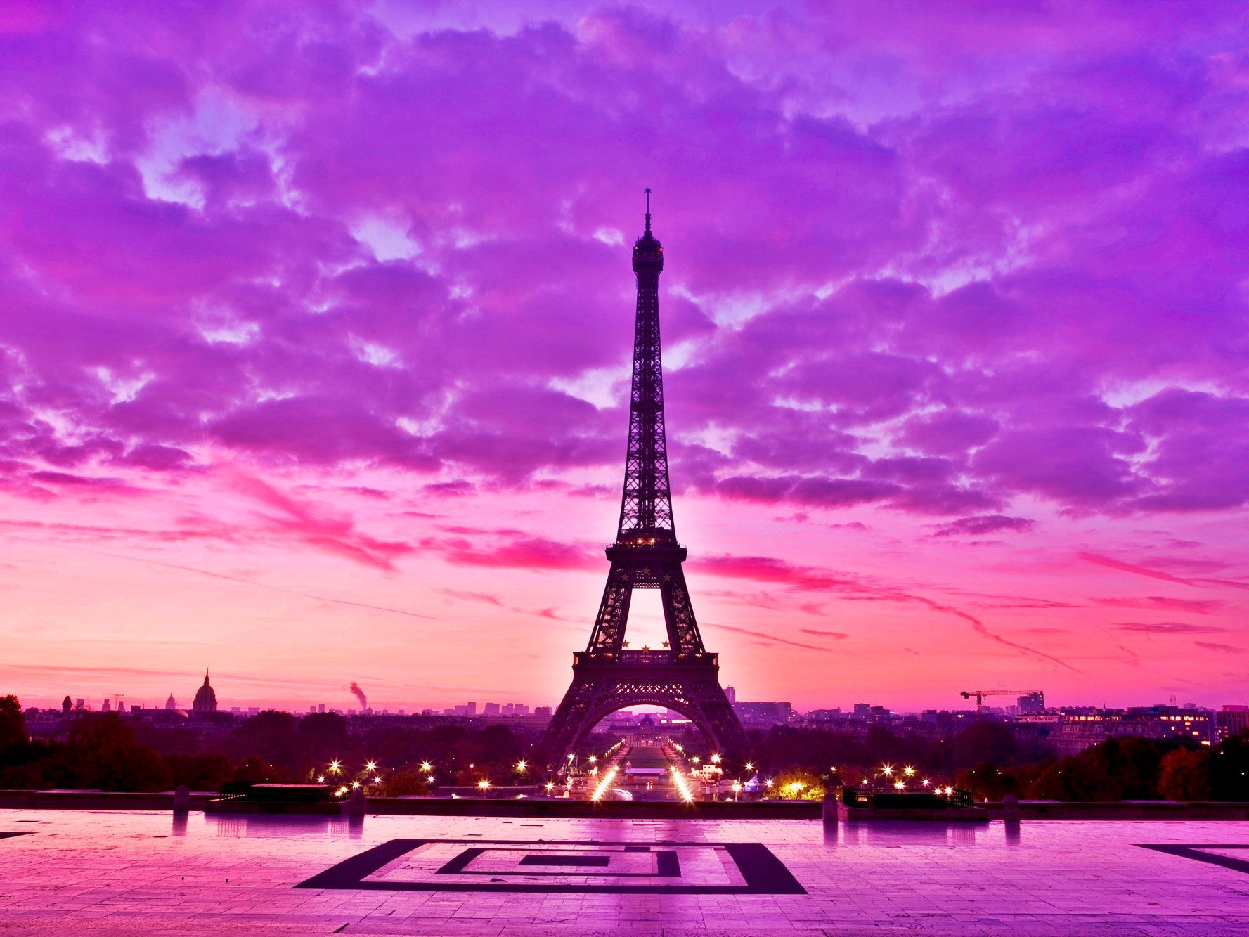Eiffel Tower Wallpaper Pink