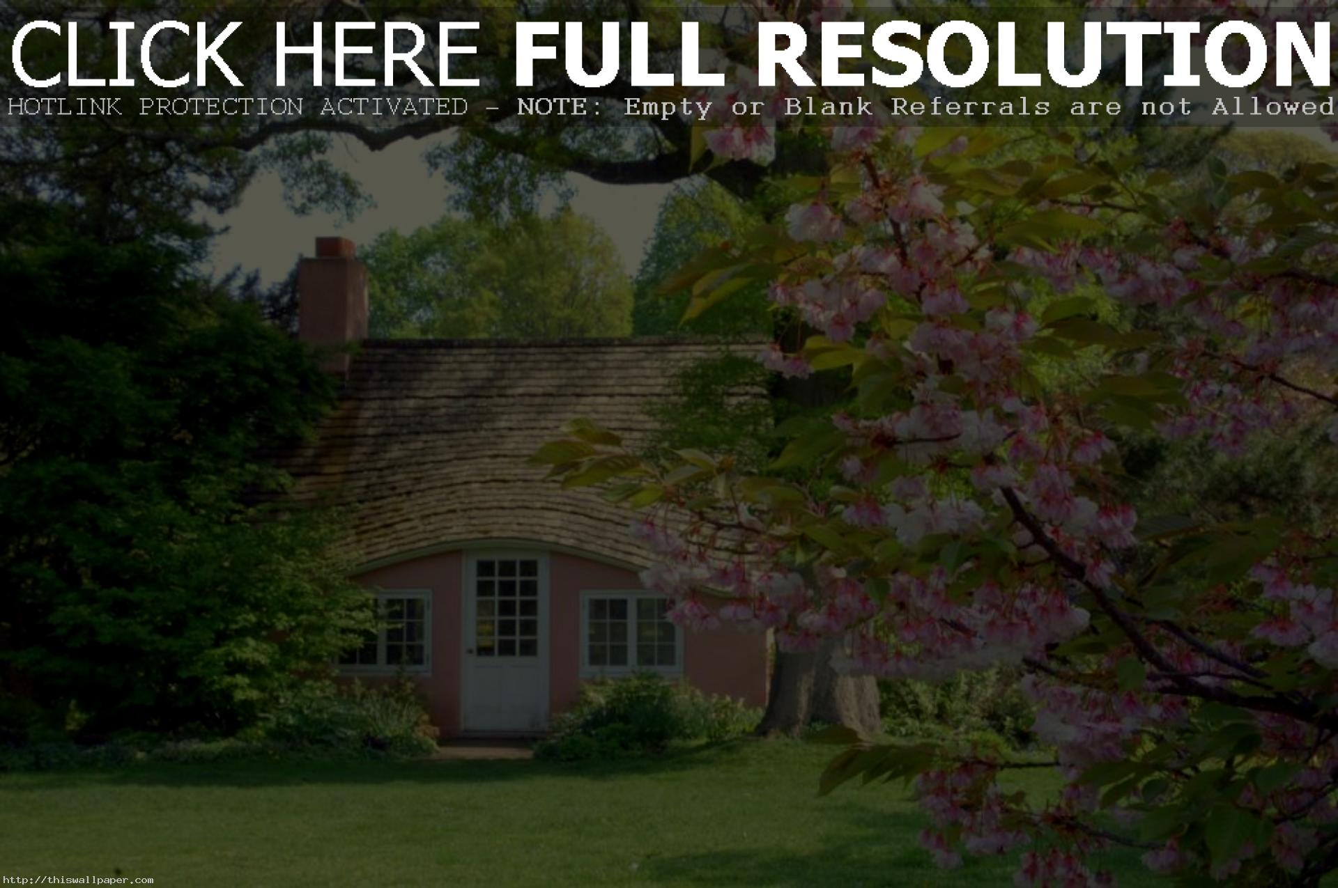 English Cottage Wallpaper
