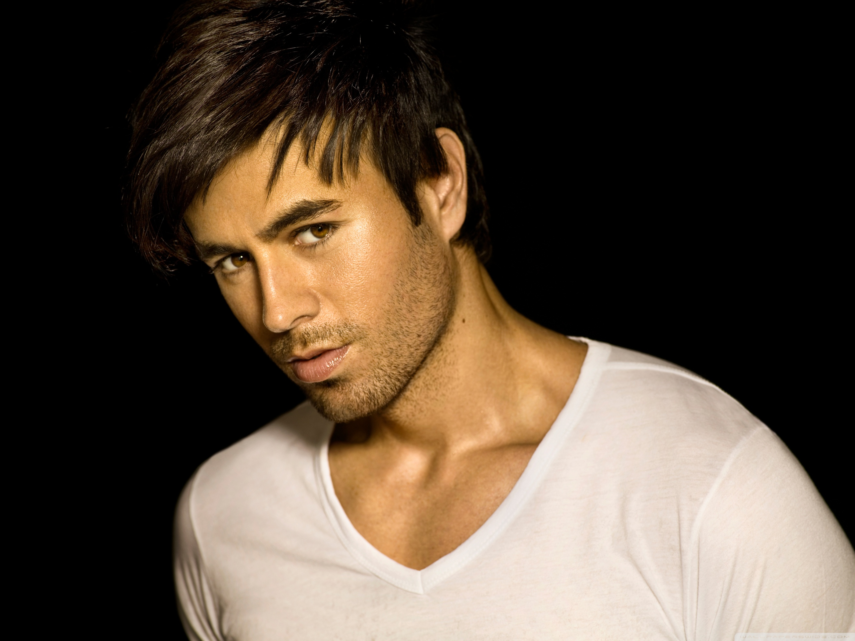 Enrique Iglesias Mobile Wallpaper