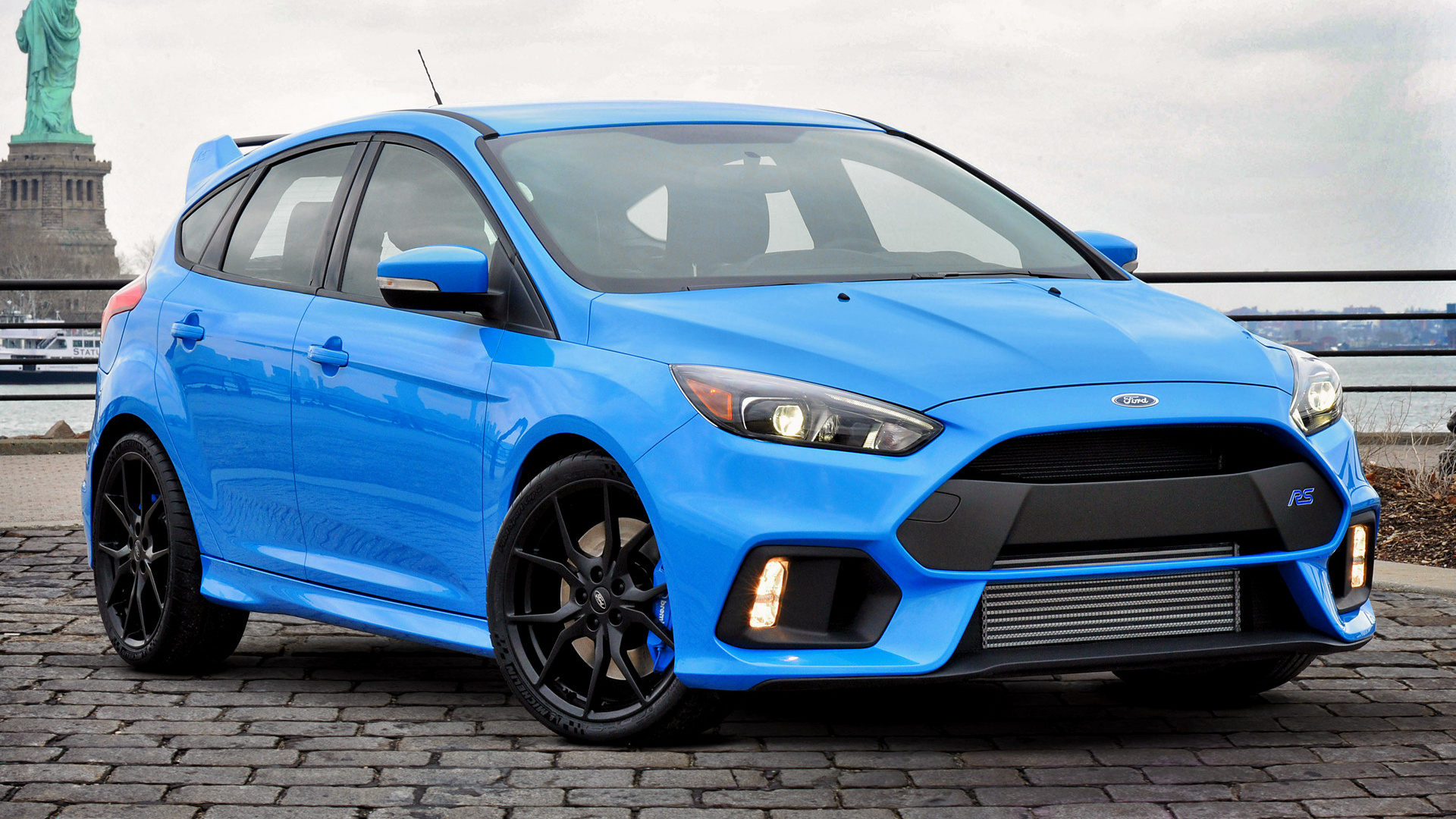 Download Ford Focus Rs Hd Wallpapers Gallery