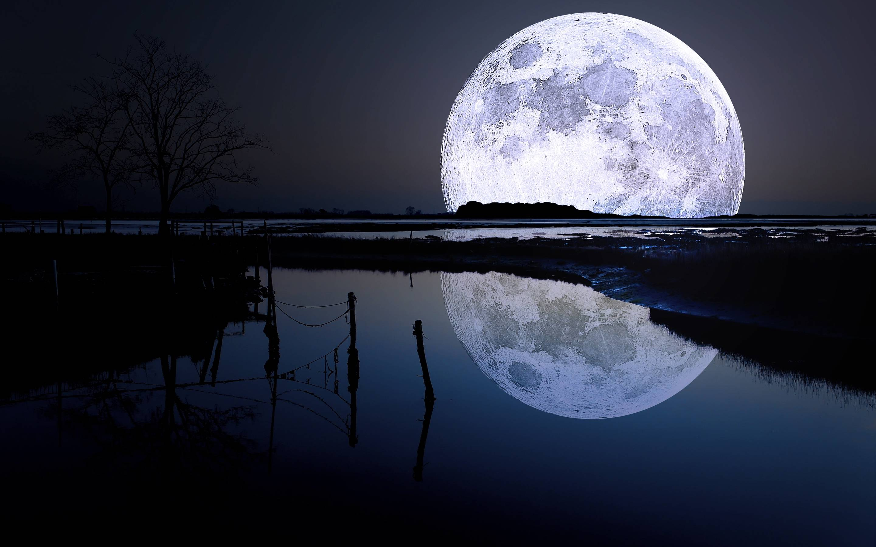 Full Moon Desktop Wallpaper