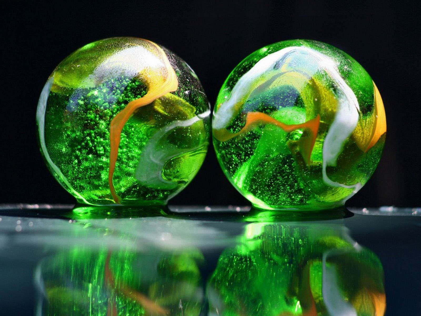 Glass Art Wallpaper