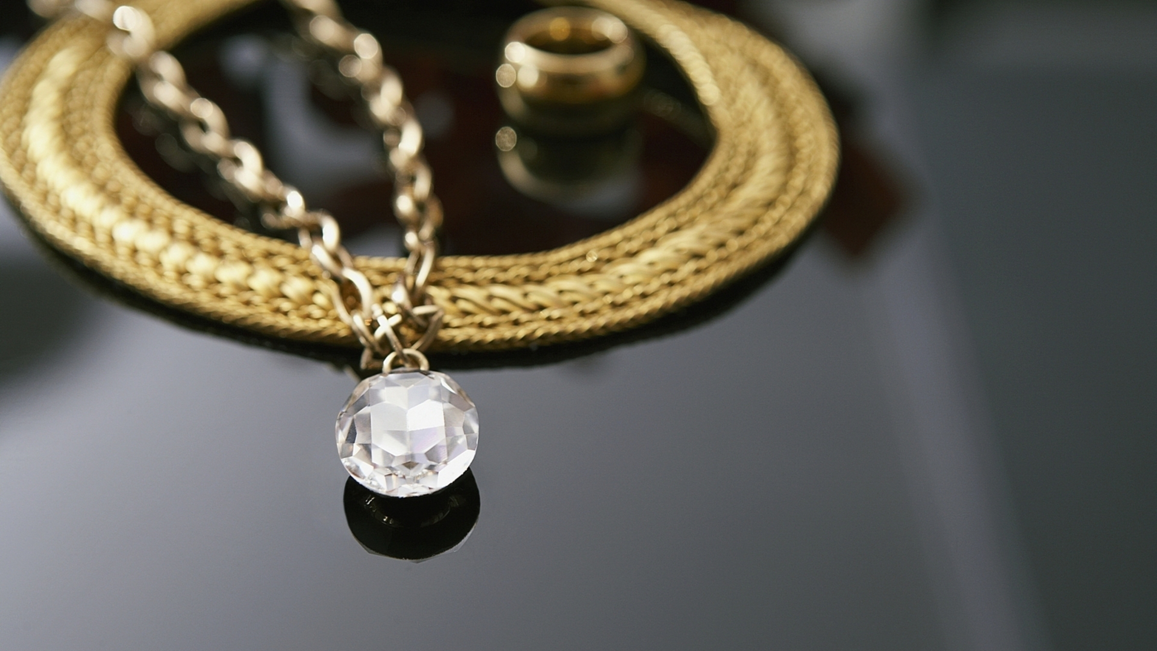 Gold Necklace Wallpaper