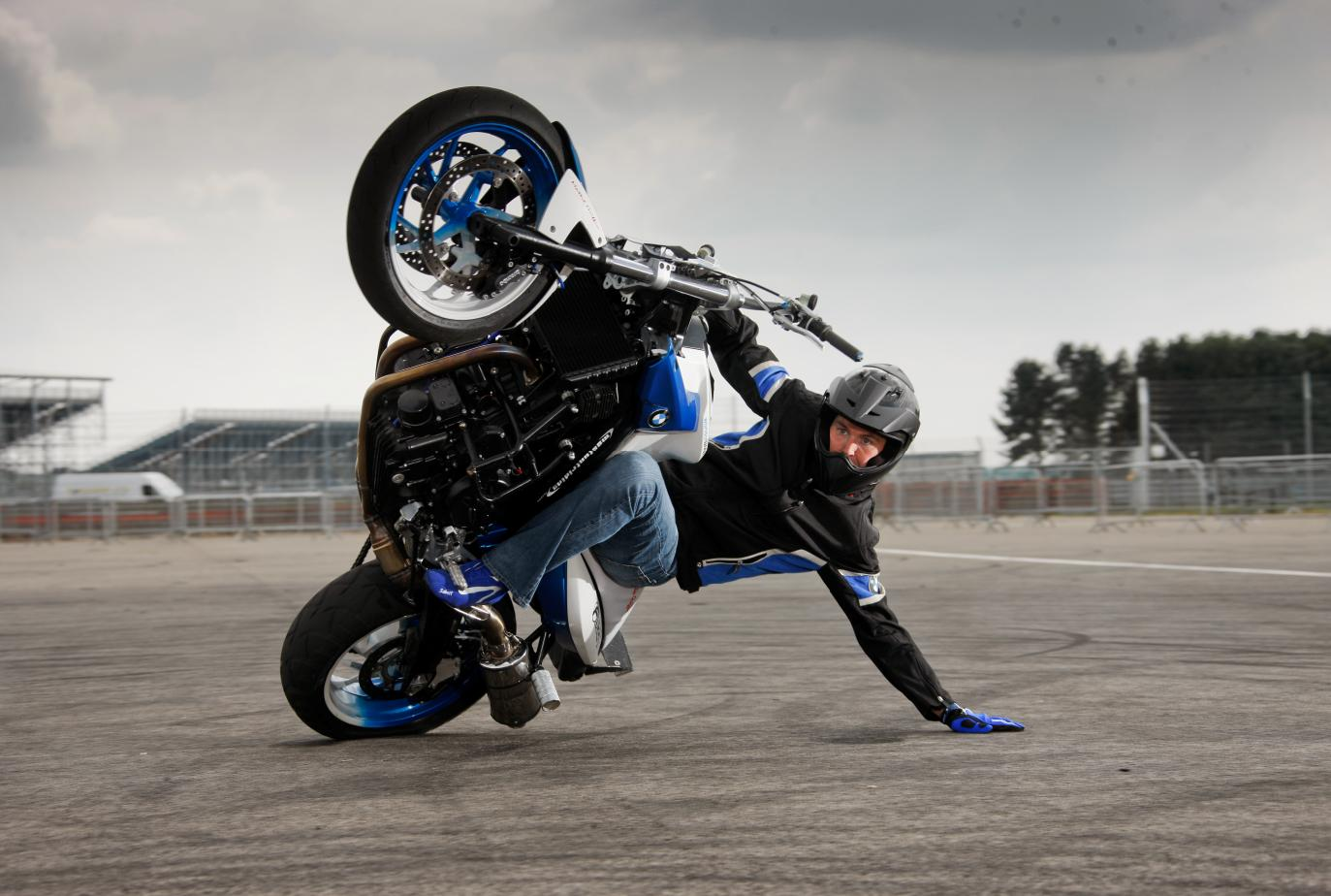 download hd bike stunt wallpapers gallery