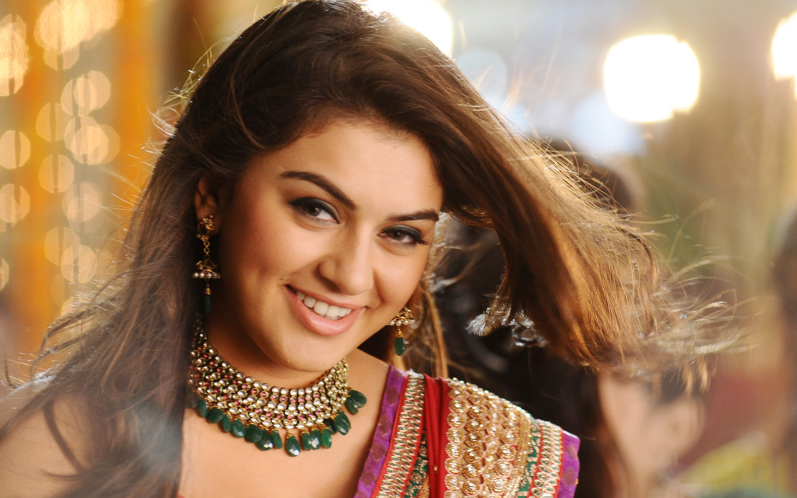 Hansika Motwani Wallpaper Download