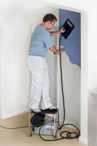 How Do You Use A Wallpaper Steamer