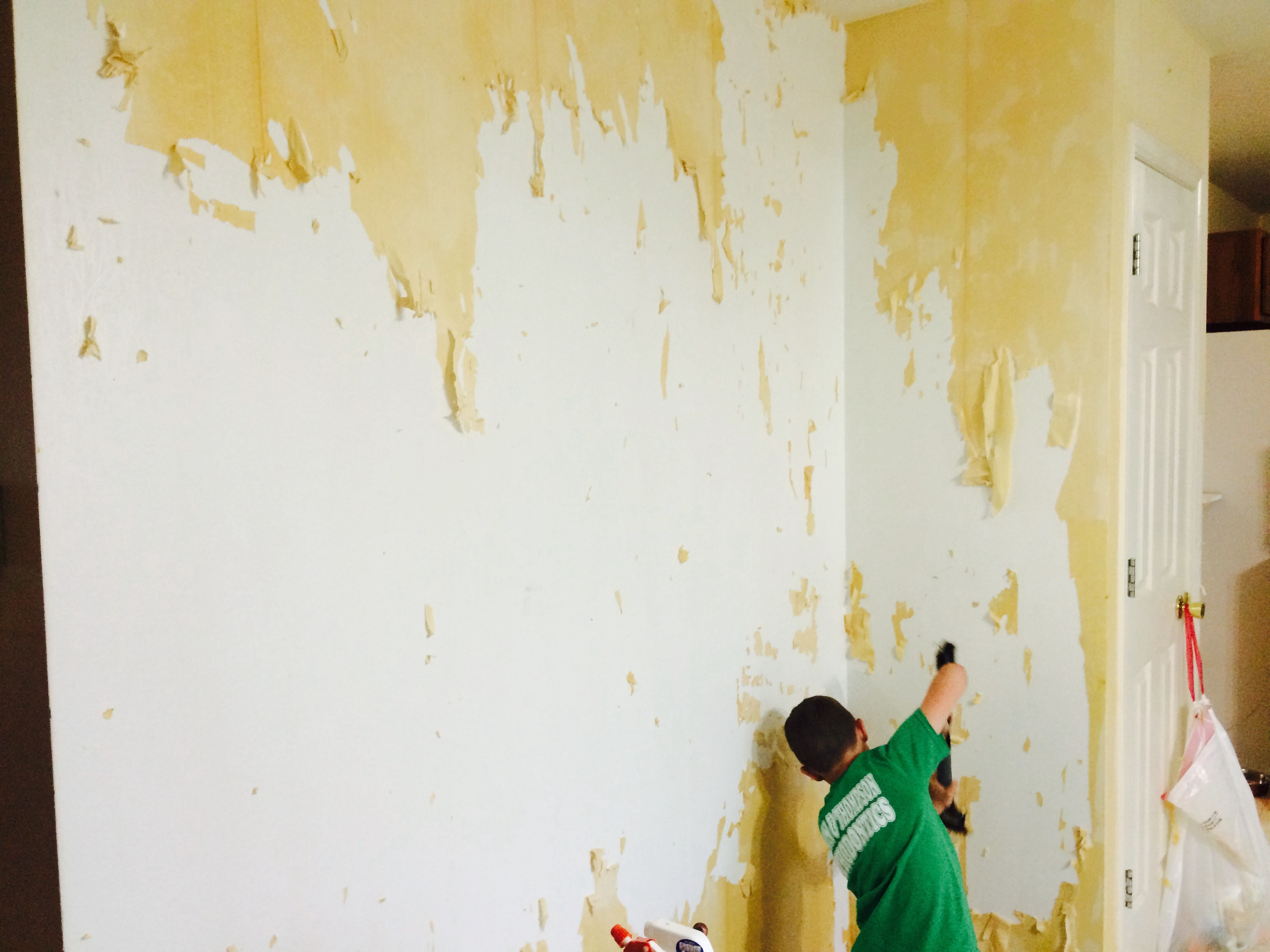 How To Get Wallpaper Off A Wall