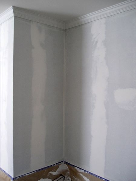 How To Paint A Wall After Removing Wallpaper