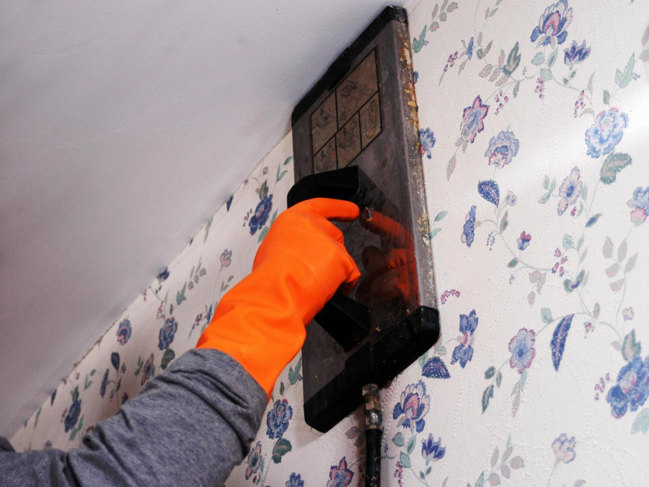 How To Remove Wallpaper Using A Steamer