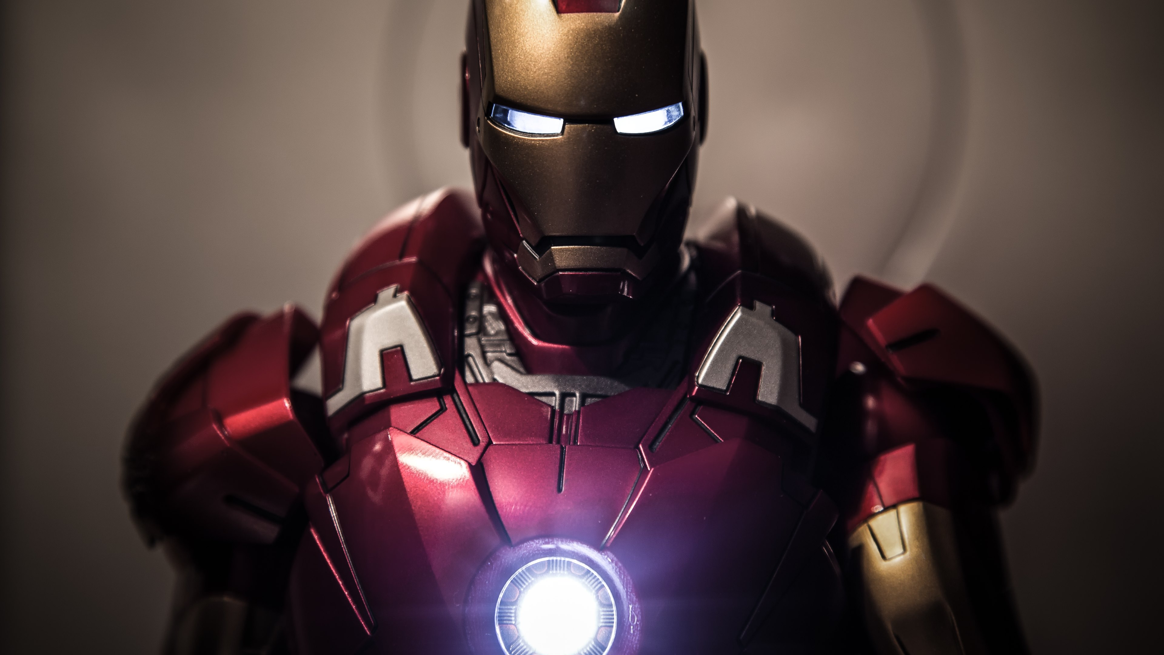 Iron Man Ultra HD Wallpapers