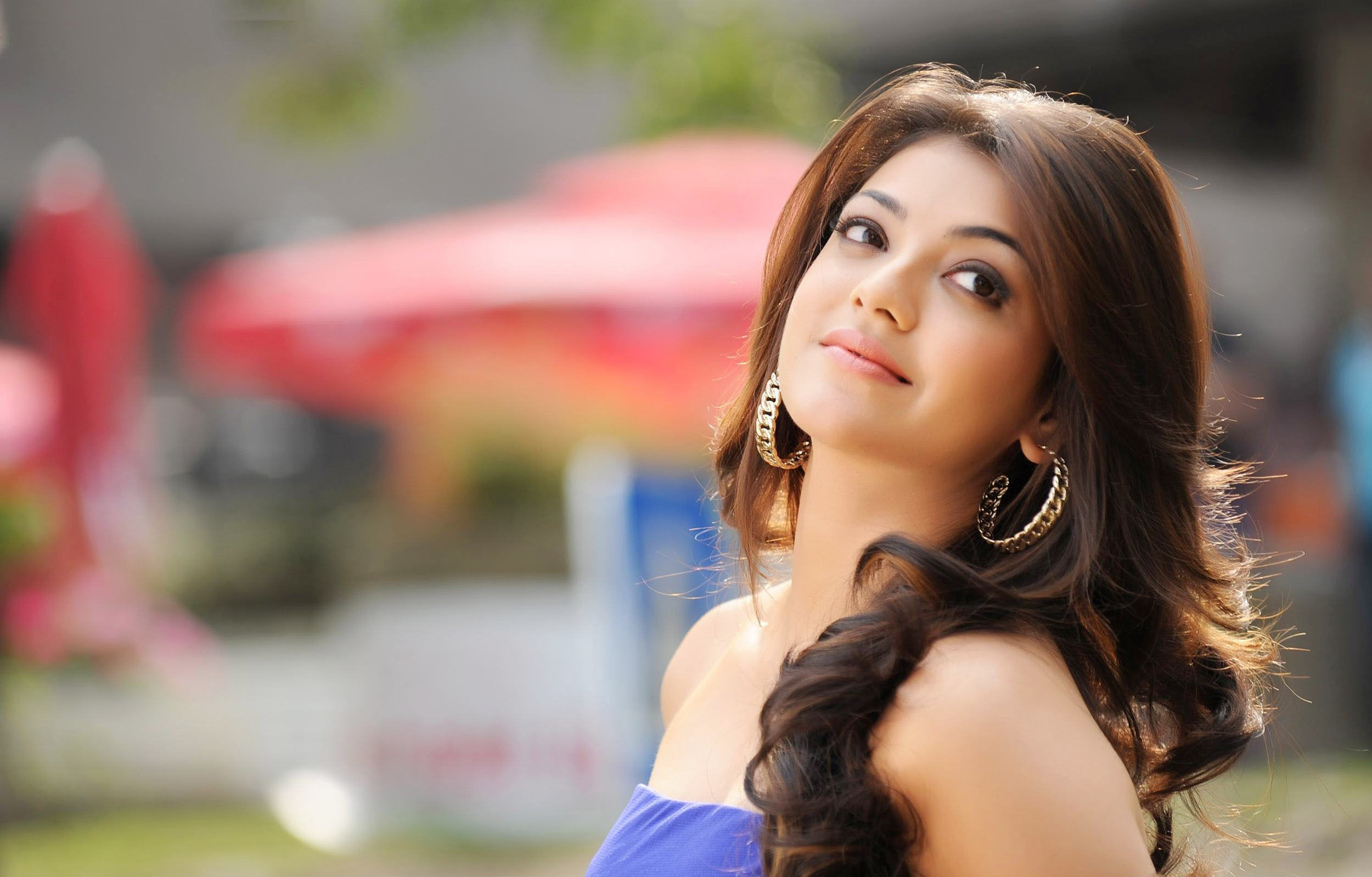 Kajal Agarwal Cute Wallpapers Free Download