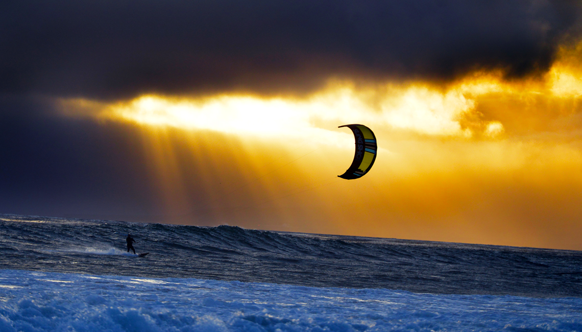 Kitesurfing Wallpaper