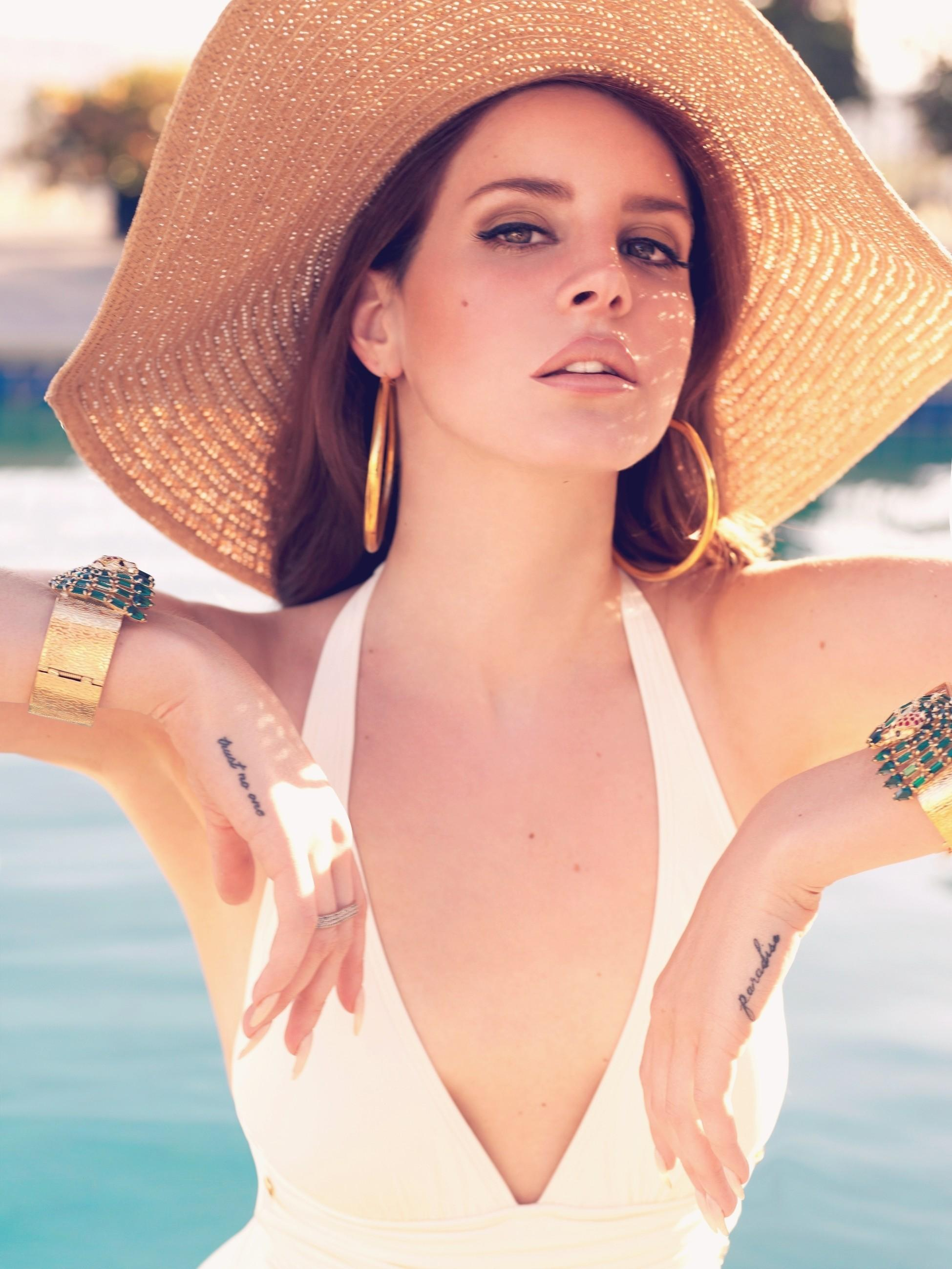 Lana Del Rey Iphone Wallpaper