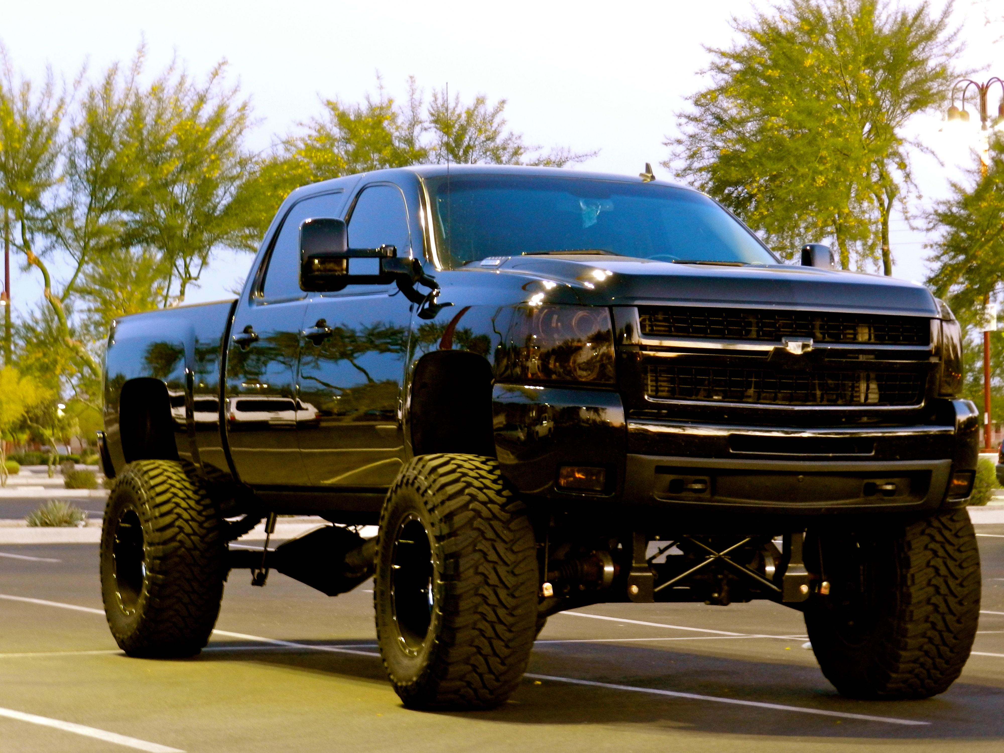 Lifted Truck Wallpapers