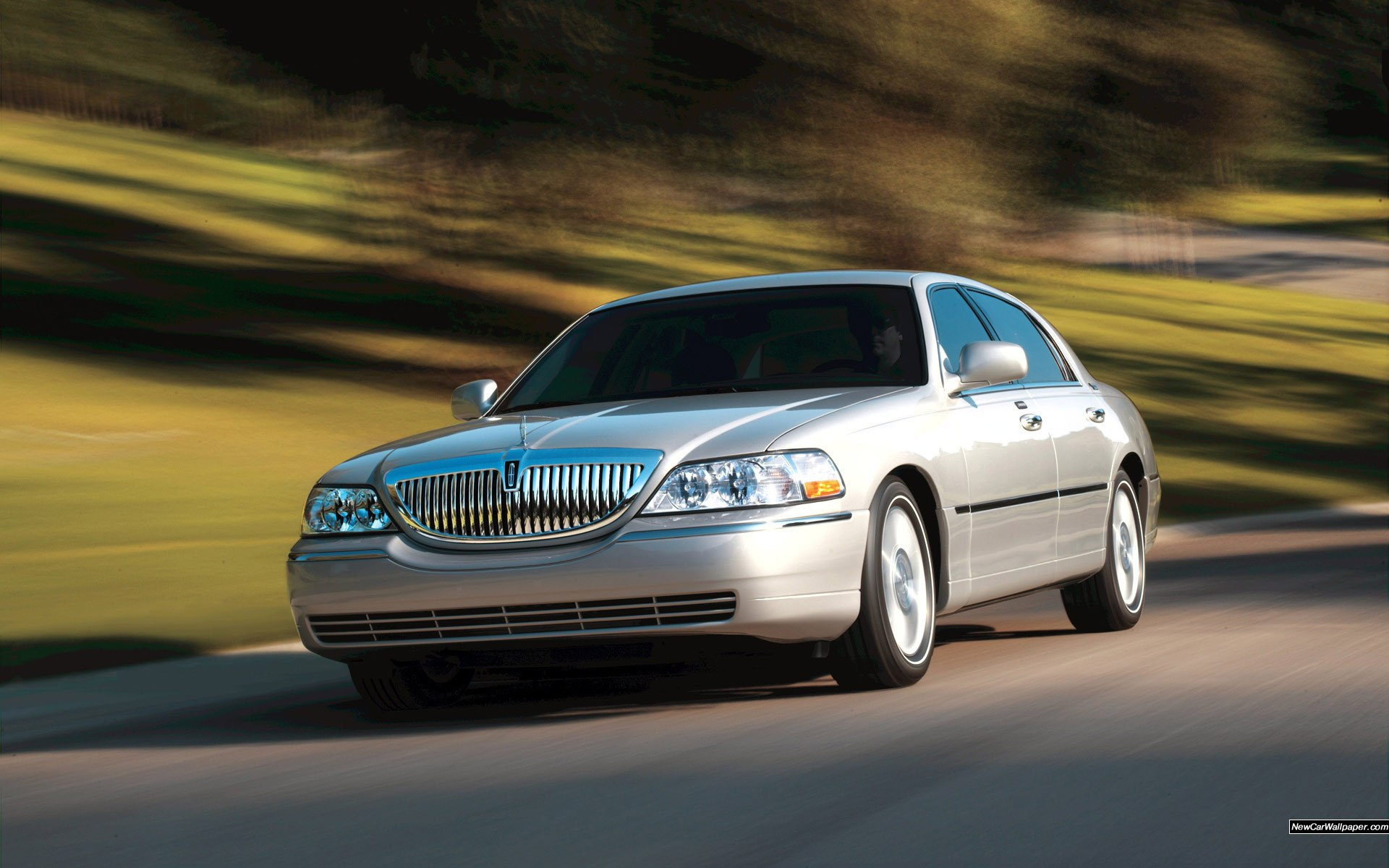 Lincoln Town Car Wallpaper