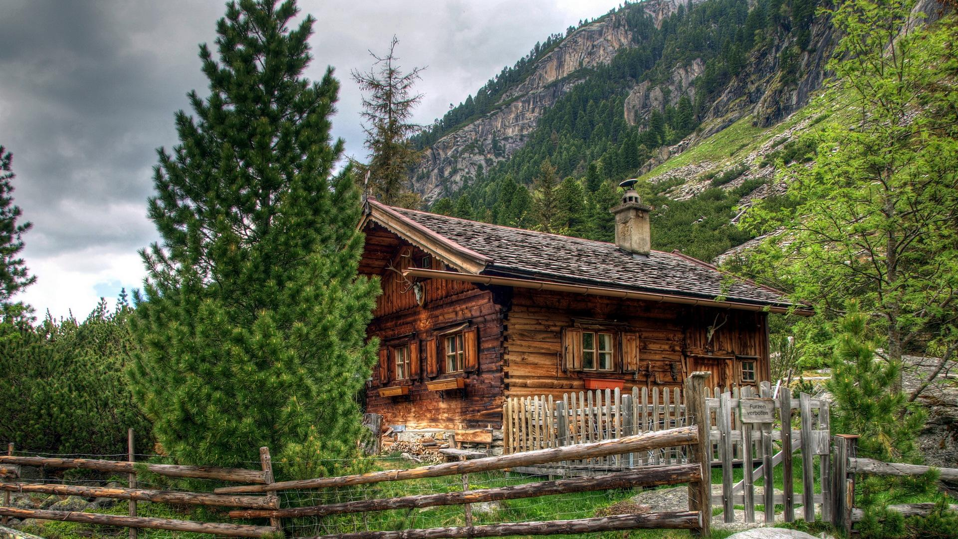 Log House Wallpaper